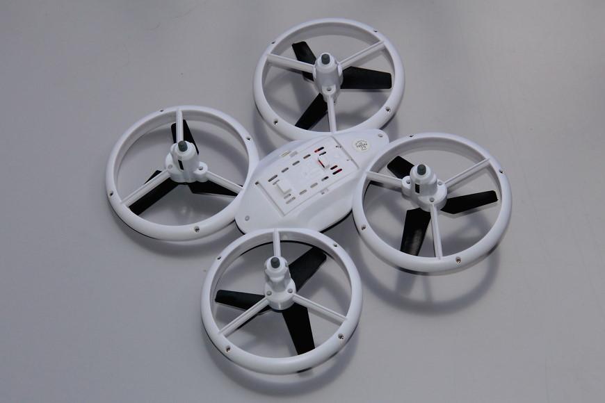 Avialogic Q9 Drone mit LED Beleuchtung (blau & grün) - Ansicht von unten