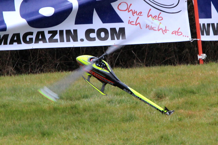 ROTOR live 2018 Iffezheim: Goblin 700 Black Thunder - Lower, lower - too low!